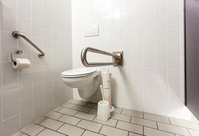 Adaptation du logement handicap / perte d'autonomie - Aménagement des WC (SOliHA Ariège)