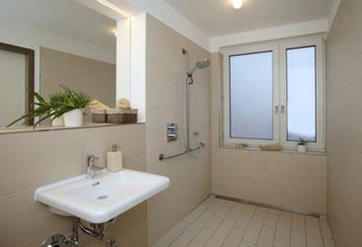 Adaptation du logement handicap / perte d'autonomie - Aménagement de la salle de bain (SOliHA Ariège)